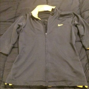 NIKE WOMENS LARGE 3/4 Sleeve Jacket
